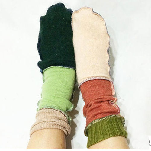CASHMERE MIX SOCKS ¥3,024-